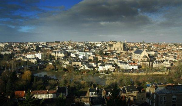 Poitiers, la Ville au Cent Clochers